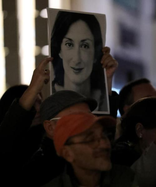 Protestors demand criminal investigation in Electrogas deal / Malta News Briefing – Saturday 16 October 2021