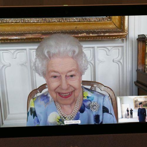UK's Queen Elizabeth returns to work after husband's funeral