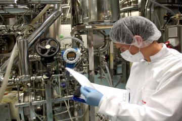 Supply fears lead EU vaccine industry to seek home comforts