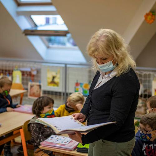 Czech government to start reopening schools from April 12