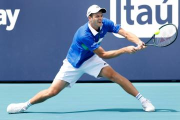 Hubert Hurkacz rallies past Stefanos Tsitsipas to reach Miami Open semis