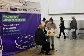 France widens COVID vaccine rollout to 16-17 year olds at high risk of major illness