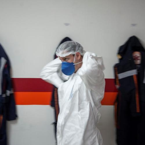 Brazil asks women to delay pregnancy over new coronavirus variant fears