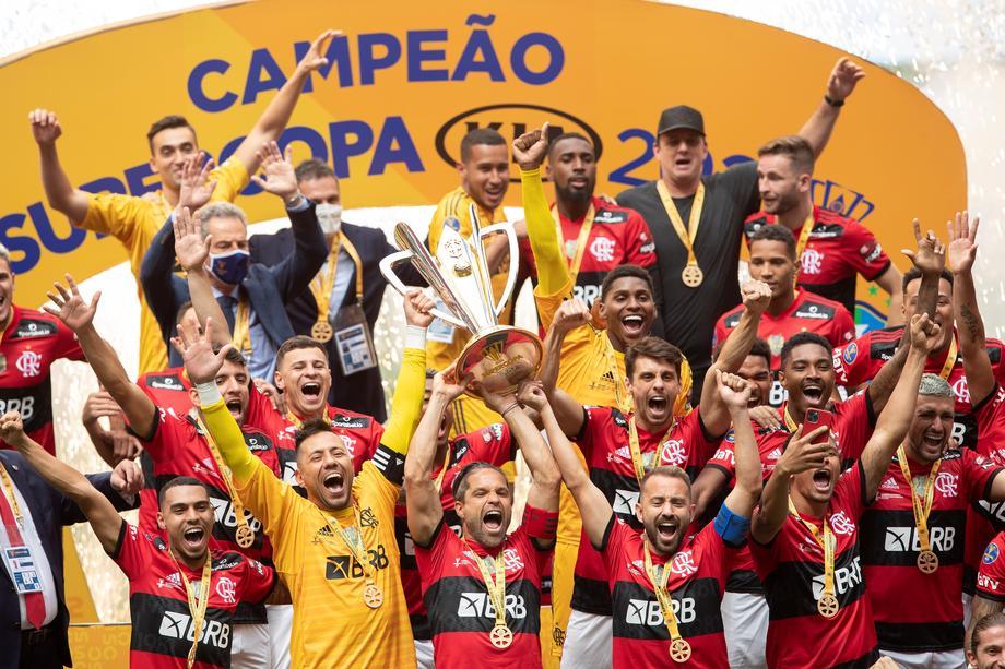 Flamengo beat Palmeiras to win Brazilian Supercup