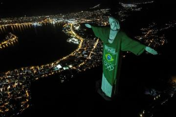 Christ the Redeemer lit up to mark 100 days till the Olympics
