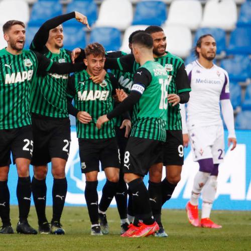 Berardi's penalty brace for Sassuolo puts pressure on Fiorentina