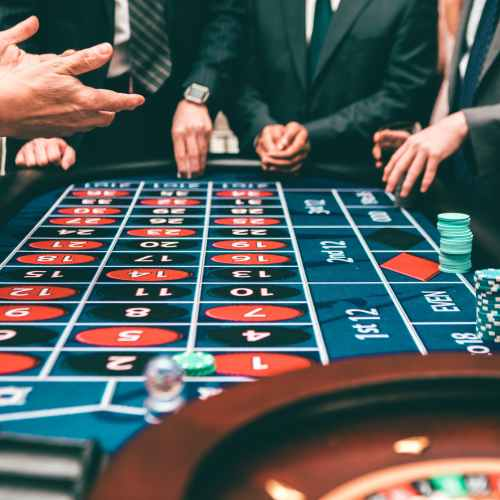 Sydney casinos to ban cash after money laundering scandal