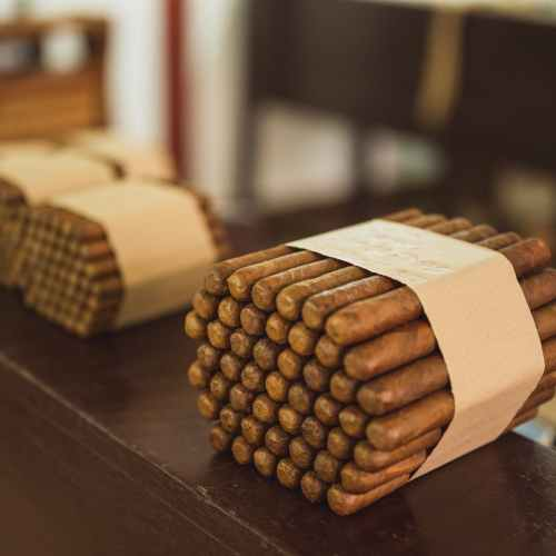 China becomes top market for Cuba's legendary cigars