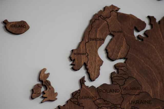 EU executive seeks bar on Britain from cross-border disputes accord