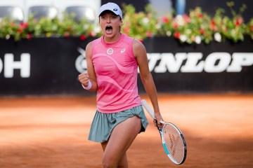 Swiatek beats Pliskova to conquer Rome