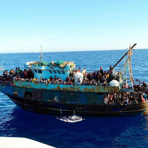 EU executive says member states should help Italy with migrant relocation