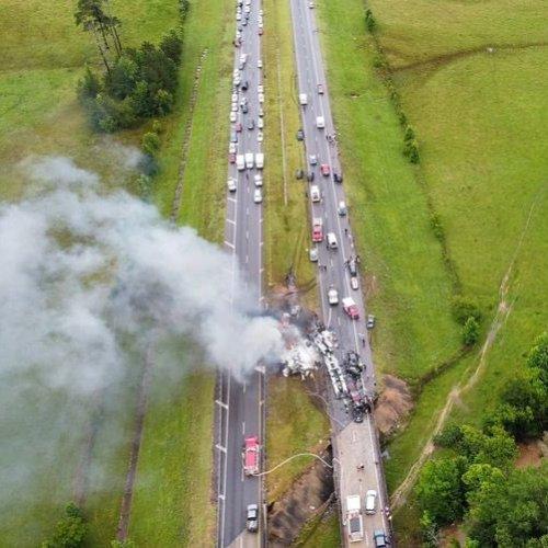 Nine children, one adult killed in 17-car pile-up Alabama highway crash