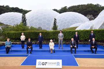 Are you supposed to be enjoying yourselves? Queen Elizabeth asks G7