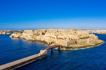 Minister defends tourism re-opening strategy / Malta News Briefing – Wednesday 21 July 2021