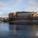 Last-ditch efforts to defuse Swedish political crisis go on