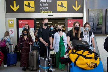 Spanish airport operator to lose $1.8 bln in revenues on new COVID-19 regulation