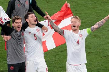 Fairytale for Denmark as rout of Russia puts them in last 16