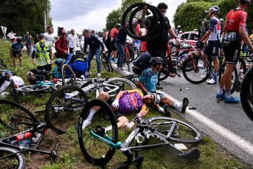 Spectator who caused Tour de France crash arrested – BFM TV