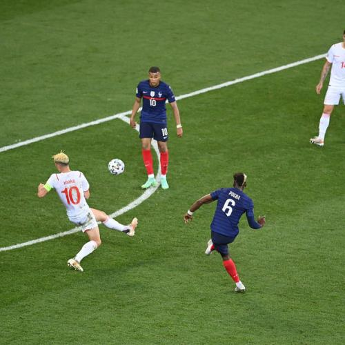 Analysis – Complacent France pay price for lacking the team factor