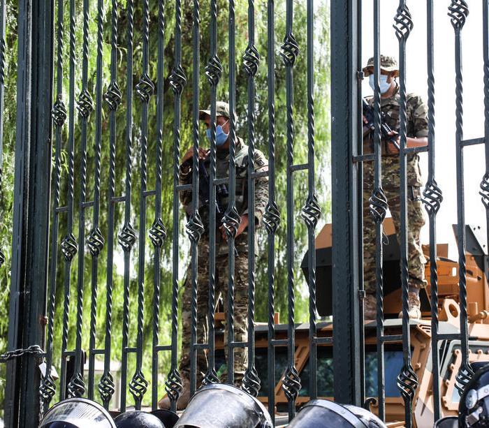 Possible scenarios for Tunisia's political crisis