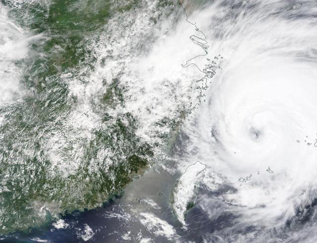 East China braces for typhoon In-fa after flooding in country's centre