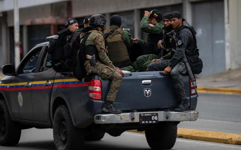 Clashes between police, Caracas gang leave 26 dead in Venezuela