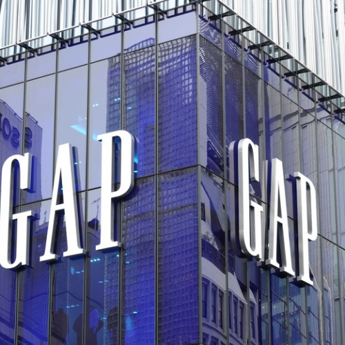 Gap to sell stores in France, Italy to cut costs in Europe