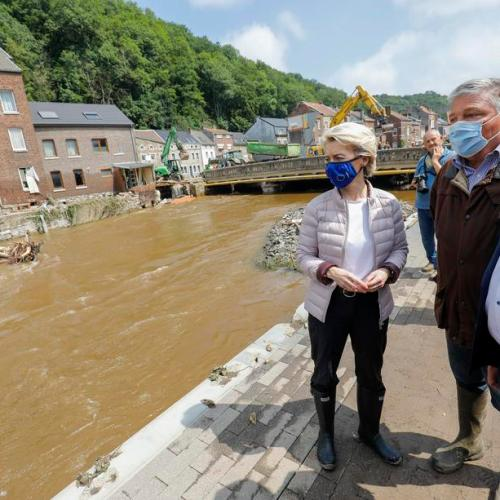 EU pledges support for flood victims