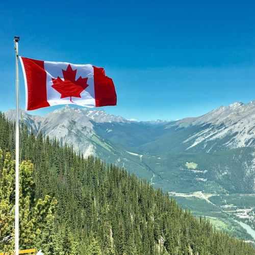 Canada posts C$1.39 billion trade deficit in May