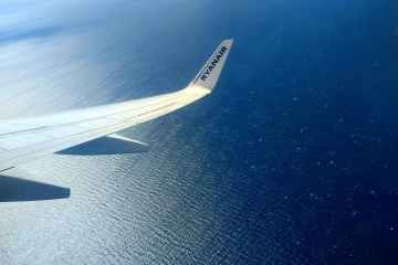 Ryanair nudges up annual traffic forecast as summer bookings surge