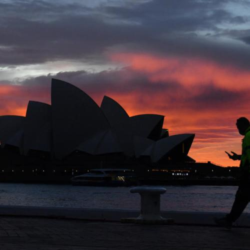 Australia extends Sydney lockdown as COVID-19 outbreak nears 900 infections