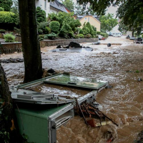 One dead, hundreds evacuated in German freak floods