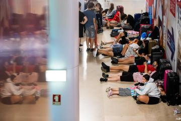 Two hundred flights cancelled at Lisbon airport at start of strike