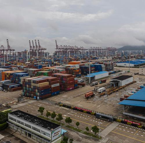 Chinese ports choke over 'zero tolerance' COVID-19 policy