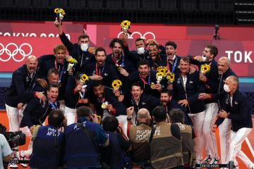 France beat ROC in men's volleyball final to win first gold