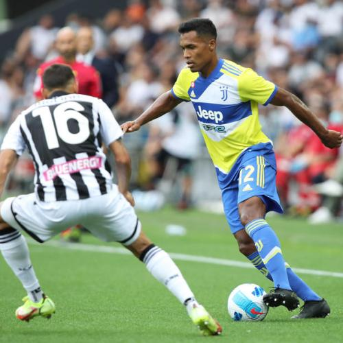 Szczesny's howlers fumble Juventus double lead at Udine for a 2 – 2 final result