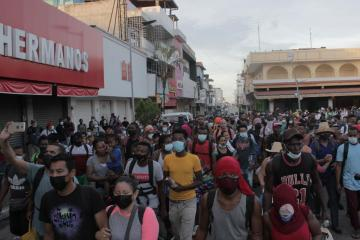 New migrant caravan sets off for U.S. from southern Mexico