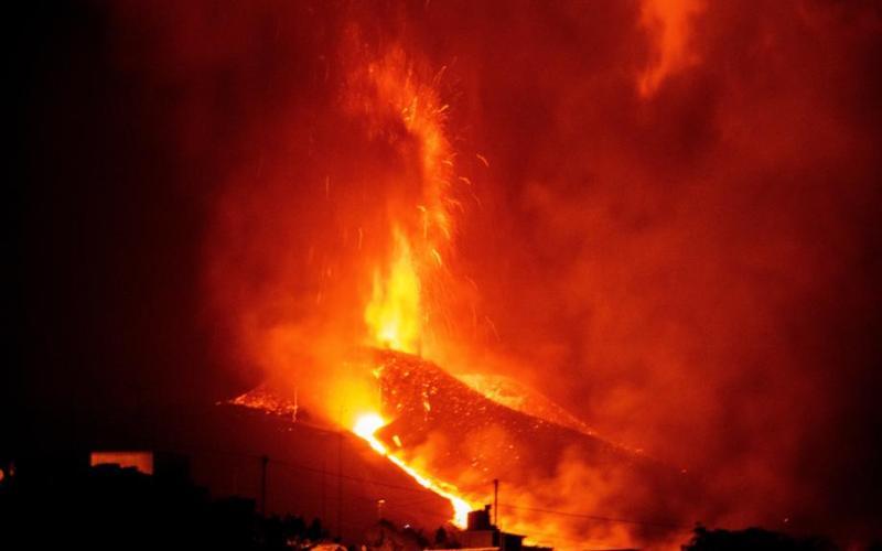 UPDATE – Airport closed as La Palma volcano eruption intensifies