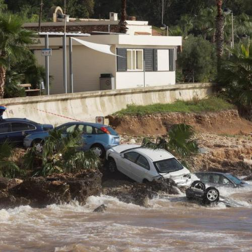 Storm hits Spain, flooding towns, cutting electricity, rail services