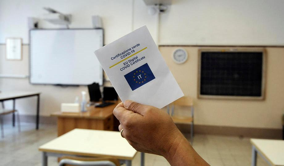 Italy makes COVID health pass mandatory for all workers