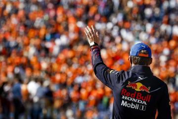 Verstappen registers dominant home win