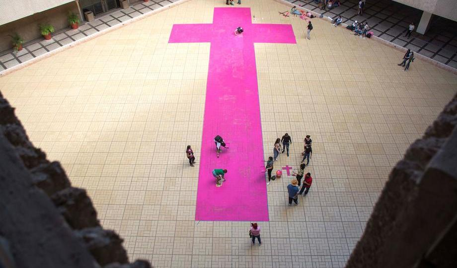 Photo Story – Huge pink cross painted in protest of femicides in northwestern Mexico