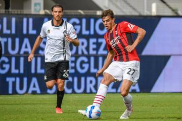 Maldini scores on full debut as AC Milan go top with Spezia win
