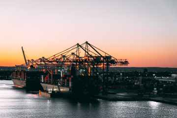 Shipping drifts off net-zero course without carbon levy -study