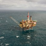 Oilprices edge towards new highs on short supply