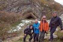 59-grupo-y-cueva