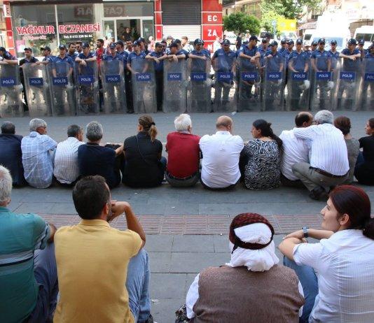 Résistance contre la saisie des Mairies HDP par l'État turc
