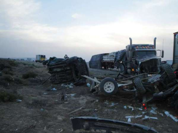 1 Truck Driver Died, 33 Others Were Injured