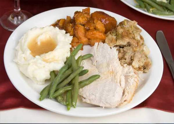 Meals For 18 Wheels Helps Provide Drivers With Warm Meals