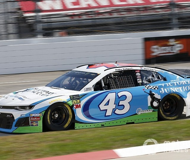 Bubba Wallace Gains New But Familiar Crew Chief For